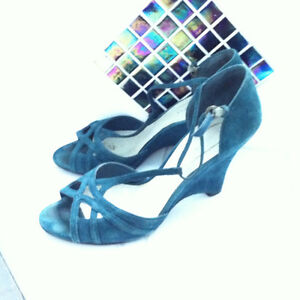 Chaussures en suede turquoise