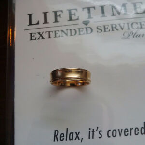 Men's Wedding Ring - 10K Yellow Gold - BARELY USED!