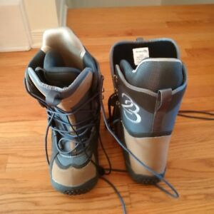 Division 23 snowboard boots size 7 womens