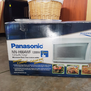 Microwave oven - like new