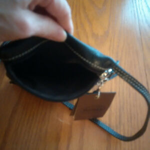 Roots Black Hanging Pouch Prince purse-NEVER USED-tags on London Ontario image 4