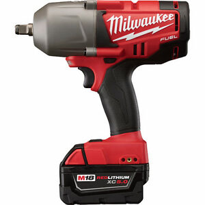 Milwaukee 1/2 inch Wrench M18 FUEL Brushless w/ Battery Charger