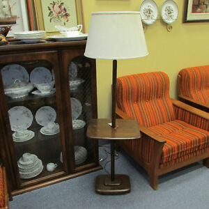VINTAGE WOOD FLOOR LAMP WITH TABLE GREAT ITEM TO PAINT