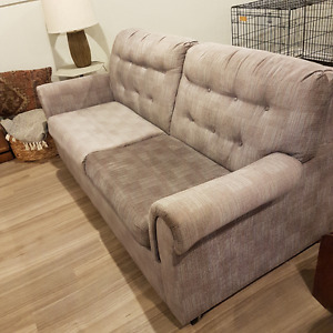 Couch / Sofa Bed / Pull Out Couch - $100 O.B.O.