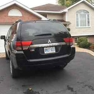 2011 Mitsubishi Endeavor SUV, Crossover LOOKING FOR A GOOD HOME Cornwall Ontario image 2