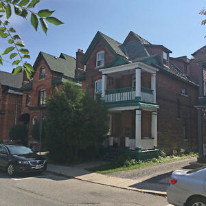 Large 2-bedroom in Centretown, available December 1
