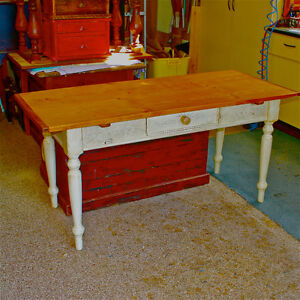 Large Country Table