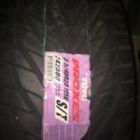 Brand New Toyo Proxes 305/40R23 Tires