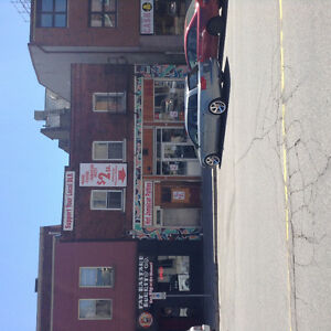 POP-UP Store space Downtown Guelpg