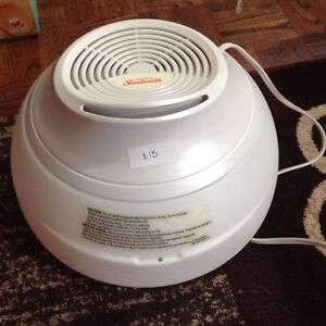 Sunbeam Humidifier. Brand New. Never Used. Only $15