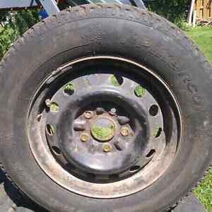 195 70 R14 hankook pike winter tires on rims Cambridge Kitchener Area image 1
