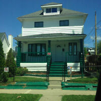 ****ATTENTION INVESTORS LARGE RENTAL HOME****