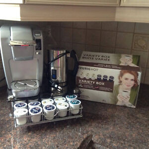 Keurig w/pods and milk frother!!