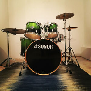 Drum kit SONOR essential force birch avec cymbales Sabian