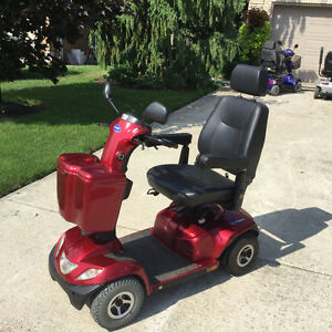 Pegasus INVACARE hardly used, just like new London Ontario image 7