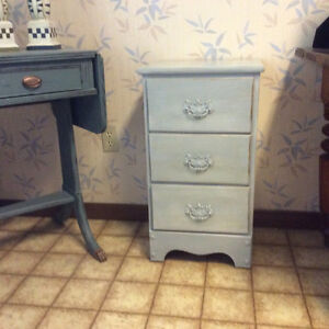 3 drawer night table / stand