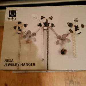 New in Box Flower jewelry hanger silver