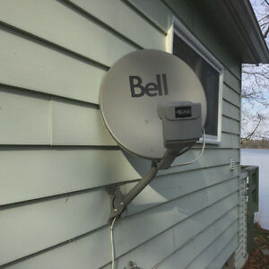 Bell satellite dish,pvr & comptroller Kingston Kingston Area image 1