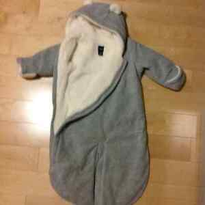 Best ever fuzzy winter onsie outerwear from Gap 3 to 6 months