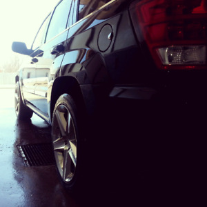 Looking for a single Jeep SRT8 rim.