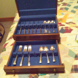 Plated Silver Table Service for 6 (Fortune 1939 by Oneida)
