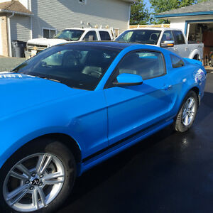 2014 Ford Mustang Coupe (2 door) REDUCED