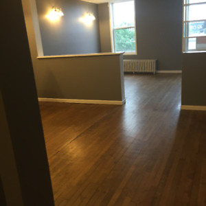Wollville Downtown 2,3,4 .5 .6. Bedroom APTS , May1st 2018-2019