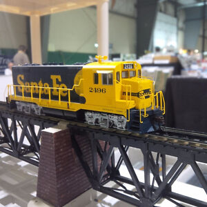 HO Scale Athearn Santa Fe CF7 – Round Cab #2496 Warbonnet DCC