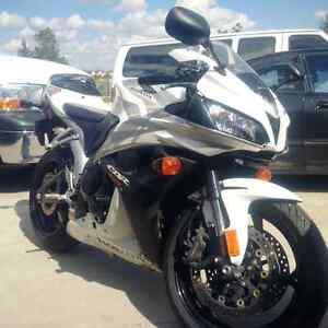 2007 White Honda CBR 600