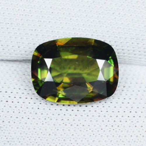 2.58 ct BEAUTIFUL MULTI COLOR FLASHES 100% NATURAL SPHENE - See Vdo - 4562 4C