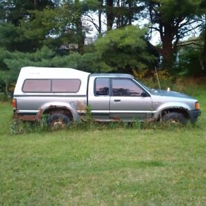 1993 Mazda B2600i Pickup Truck 4x4 Extended Cab