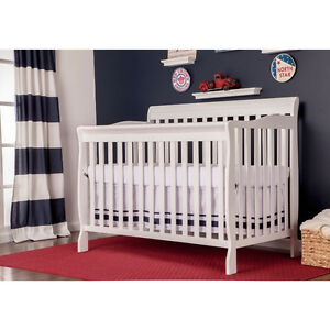 New convertible crib in white, grey or espresso - 4 in 1