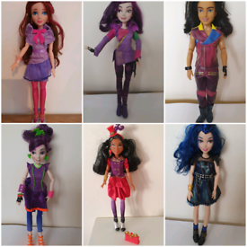 Descendants dolls from disney store mal evie Freddie jay jane £10 each