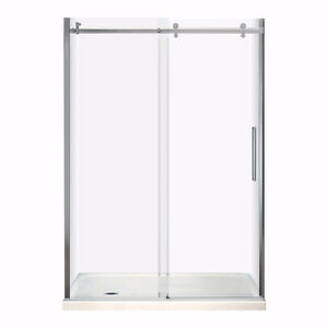 MAAX Halo shower door & base