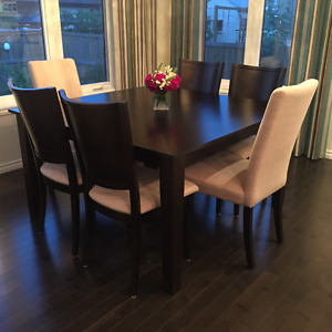 Dinec kitchen table and six parson chairs