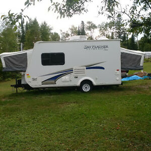 JUST REDUCED! Only 4 years old. 17 ft Featherlite Hybrid Trailer