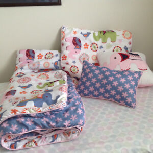For sale - double comforter set