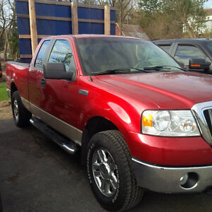2007 Ford F-150 4X4 XLT Pickup Truck (SOLD AS IS)