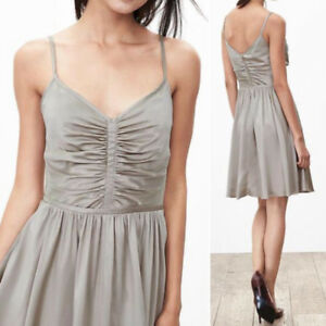 New with Tag BANANA REPUBLIC Silk Dress Size 4P