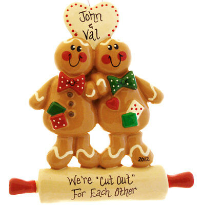 (Gingerbread Couple Personalized Christmas Tree Ornament)