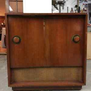 Vintage stereo cabinet with 2 working speakers.