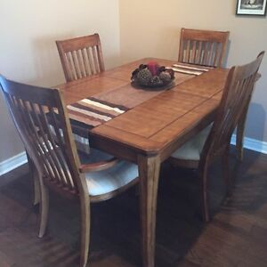 buy or sell dining table sets in hamilton furniture