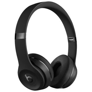 Beats Solo 3 wireless in Mint condition (Black)
