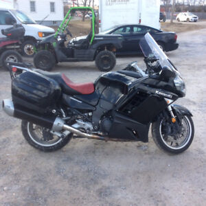 2009 KAWAski 1400 concours Best Buy on kijiji Excellent Conditio