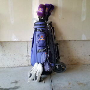Ladies Left Handed Golf Clubs, Bag and Size 8 shoes