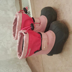 Columbia winter boots baby size 5!