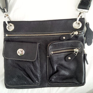 NEW Roots Leather Flat Crossbody Messenger Bag Village Prince