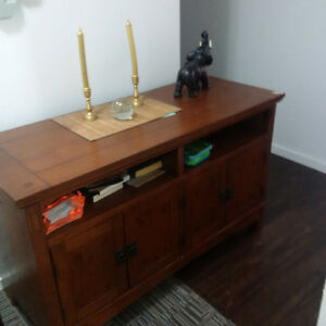 In Great Condition Entertainment Unit /TV Stand/Book Shelf