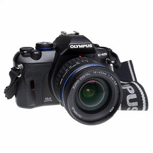 Used Olympus E-420 10.1MP DSLR w/ 14-42mm AND 40-150mm Lens Kit