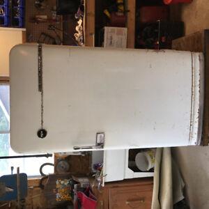 refrigerateur  antique